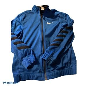 Nike boys size small zip up